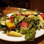 ヨネザワ - 野菜たっぷりサラダ
