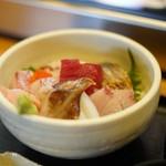 Isaribi - 海鮮丼(上)