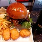 ノンズ・バーガー・イズ・ヘブンリー - 料理写真:平日限定 ランチセット(1500円) バーガーは4種(チーズ、エッグ、マッシュポテト、ネブタ)から選べます。ソフトドリンク、マッシュポテト、フライドポテト、チキンナゲット付き。