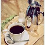 ジ オールド ティッコ コーヒー ダイニング -