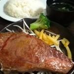 バクテキ 渋谷 1st - 厳選リブロースチャンピオンステーキ200g 1690円
