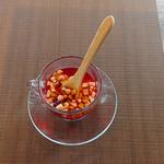 Cafe Beetle - フルーツティー(ティート)「ティート」は食べられるお茶。果実の美味しさがぎゅっと詰まったドライフルーツのお茶です。季節によってフルーツの種類が変わります。400円+税
