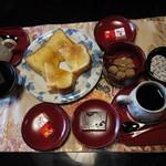 11636823 - コーヒーとトーストセット