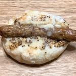 ベーカリー ブレッド & グラス - ソーセージドッグ