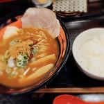 おれ流ラーメン鶏さき麺いち - 料理写真:魚介鶏白湯ラーメンと小ライス