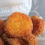 (有)高松の蒲鉾 - 3種類の白身魚のすり身をパン粉につけて揚げた可愛らしい一口サイズのコロッケですよ
