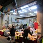 (有)高松の蒲鉾 - お店は柳橋連合市場の中にありますよ。