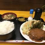 神戸一 - 日替わりの、ハンバーグ定食、いただきました(2019.9.28)