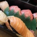 弁慶すし - はまち、トロ、中トロ、鯛、赤海老、トロサーモン