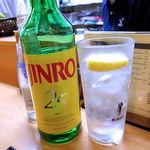 やきとり良太 - 真露(ボトル 2,800円)