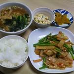 中華飯店響 - ミニラーメンセット(メイン料理はイカとニンニクの芽の辛子炒め)1000円