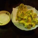 もつ焼き 克  - 山菜の天ぷら