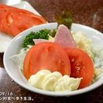 116433176 - ポテトサラダと単品トマト