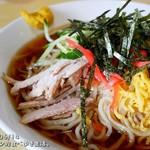 萬来軒 - 料理写真:冷し中華を大盛りにすると、ラーメン鉢で出てきます