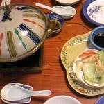 11644584 - 本タラバかにバター焼き(2,100円)左 & カニクリームコロッケ(680円)右 食べてしまった後の写真