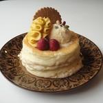 カフェ アリエッティ - 料理写真:秋のパンケーキ(自家製かぼちゃクリームと秋の実)1000yen(税込)