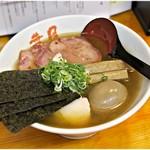 らぁめん 葉月 - 料理写真:特製葉月ワンタン 1200円 麺、スープ、具。全ての要素が手の込んだ一杯です。