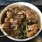 食神 餃子王 - 排骨飯800円、スタミナ排骨飯という名の方がしっくりくる内容でした。