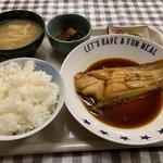 うどん処 やなぎ - 煮魚定食700円