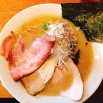 麺屋あした - 『醤油白湯麺 ~焼きあじの風~』880円