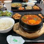 韓味屋 - スンドゥブランチ(¥900)