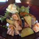 ビツグママ - 野菜と鶏肉の照り焼きプレート