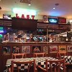 ラスト・カリフォルニアレストラン - 内観