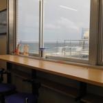西湘パーキングエリア(下り線) フードコート - 席からの眺め