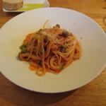 GRAND DELI - キノコと小松菜のトマトソースのパスタ