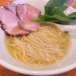116480996 - 美しい麺に透き通ったスープ、そしてピンクに輝くチャーシュー(*≧∀≦*)