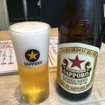 えびず - 「サッポロ赤星」中瓶。599円也。
