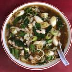 だんござか珍達 - みそだけあって、スープの色が濃い。