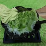 清芳園 - 抹茶かき氷オリジナル(抹茶ソフト乗せ)