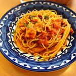 パッシオーネ - とり肉と大葉のトマトソース