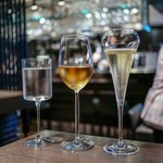 GOSS - グラスシャンパン、ワインも多数あります!