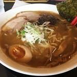 支那そば 昭和食堂 - 料理写真:濃厚とんこつ醤油麺(大盛り)
