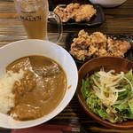 116544242 - 夏野菜(ドコドコドコ?)のカレー!と唐揚げ食べ放題!