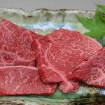 ごえ門 - 「ごえ門ロース」 めす牛ならではの、赤身の旨みを味わえます。