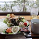 くじら軒 - 鮭の塩焼きランチ(2切れ)¥750