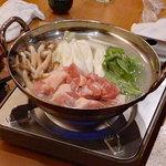 日本酒と地鶏の和バル 八鶴 - 鶏の水炊き?