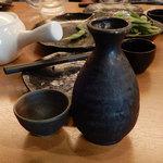 日本酒と地鶏の和バル 八鶴 - 日本酒燗