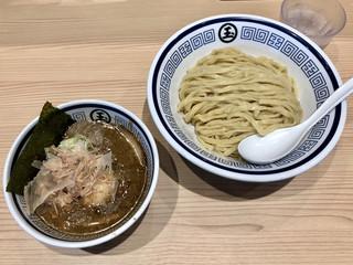 中華そば つけめん 玉 新宿店 - 「つけめん」900円+クーポン味玉