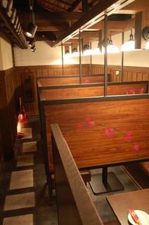 赤羽籠太 - 【2F:テーブル席】2名~8名までの個室もあります!