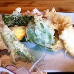 大浜丸 魚力 - 2 天ぷら盛り合わせ 野菜+魚介2品