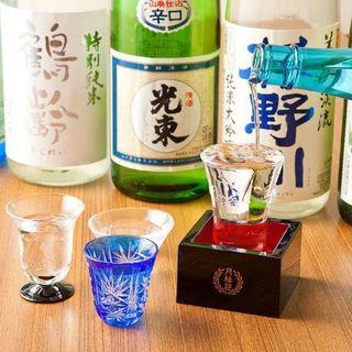 店主が厳選している日本酒。こだわりの銘柄をお楽しみください