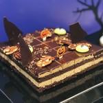116584444 - チョコレートレイヤーケーキ