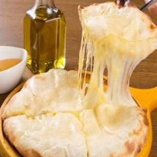10種類のチーズ入りナン