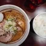 拉麺阿修羅 - チャーシュー胡麻ラーメン900円、ライス100円