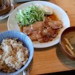 116586321 - 豚生姜焼き定食・玄米(1500円)