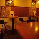リガール - ■カウンターとスタンド席、奥にはテーブル席も有ります。